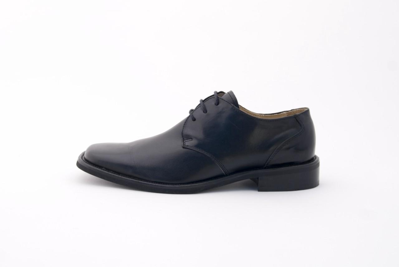 Sapato clássico de homem