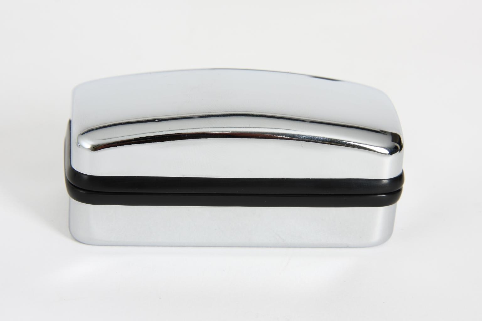 Caixa retangular para botões de punho